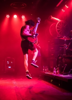 Live/Wire The AC/DC Show at Bedford Corn Exchange