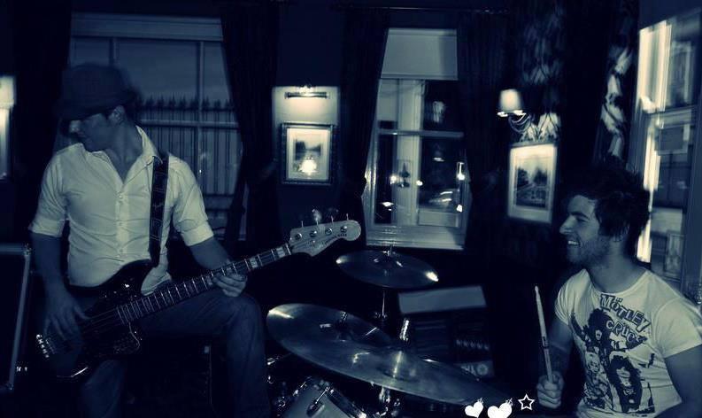David Spencer singing LIVE at The Higgins Pantry